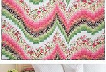 Quilts: Bargello~~**~~ / Chained designs that fool the eye. Beautiful blending of colors.  French Braid and Bargello quilts. / by ☆ ☆ Alice Cooksey ☆ ☆