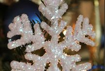 Christmas - SNOWFLAKES / by Becky Arcizo
