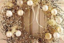 Christmas - WREATHS / by Becky Arcizo