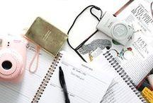 BLOGGING + BLOGGERS / social media tips, business tips, business, branding, entrepreneur, startup, solopreneur, biz, girlboss, boss babe, ladyboss, e-course, e-book, info product, freelance, instagram, pinterest, twitter, facebook, periscope, marketing, content marketing, email marketing, blogging, b2b, business tools