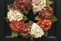 Wreaths / by Maria Garza