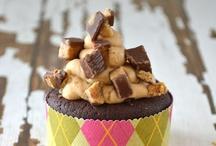 Cupcakes / by Kesha Gooding