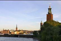 Stockholm / De hoofdstad van Stockholm ligt verspreid over 14 eilanden in het Mälarmeer en blikt oostwaarts vol trots uit over de Oostzee. De indrukwekkende openbare gebouwen, paleizen, rijke cultuur en musea vertellen op prachtige wijze de 700-jarige historie van de stad. http://www.visitsweden.com/zweden/Regios-en-steden/Stockholm / by VisitSweden NL