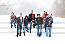 Family Photos / Ideas for family photo sessions... / by Laura Gorman