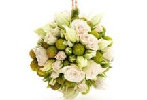 Wedding pomanders and floral accessories / Gorgeous floral extras for your #wedding day!