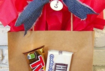 Gift wrapping ideas / by Kim Simmons