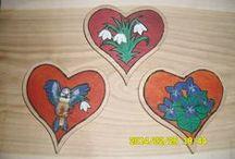 Munkáim / Kézzel fára festett ajándék, illetve használati tárgyak.
