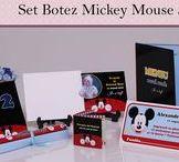 Set Botez Mickey Mouse 3 / BebeStudio11 - Personalizam invitatii, marturii, plicuri de bani, meniuri, nr de masa pentru botez.