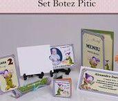 Set Botez Pitic / BebeStudio11 - Personalizam invitatii, marturii, plicuri de bani, meniuri, nr de masa pentru botez.