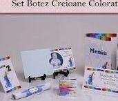 Set Botez Creioane colorate Baieti / BebeStudio11 - Personalizam invitatii, marturii, plicuri de bani, meniuri, nr de masa pentru botez.