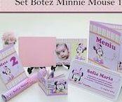 Set Botez Minnie Mouse 1 / BebeStudio11 - Personalizam invitatii, marturii, plicuri de bani, meniuri, nr de masa pentru botez.