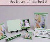 Set Botez Tinkerbell 3 / BebeStudio11 - Personalizam invitatii, marturii, plicuri de bani, meniuri, nr de masa pentru botez.