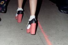 Shoes / by Carola Falgás