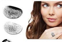 Swarovski® elements / Trend-corner vous invite à découvrir toutes nos réductions sur l'offre bijoux Swarovski elements.
