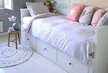 ★ HEMNES Tagesbett Ideen & Hacks ★ / Das IKEA HEMNES Bett zum Ausziehen kennt wohl jeder. Hier sammle ich Ideen und Hacks für das HEMNES Bett mit den Schubkästen.