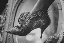 Vintage Vibes / by Joanna Suen