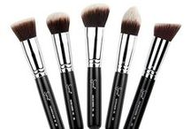 LUXOLA BRUSHES / The key to any great makeup look is definitely great application! Learn the uses and benefits of all our favourite brushes! / by Luxola