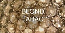 BLOND TABAC / Blond Tabac blends notes of warm perique tabac, vanilla husk and sandalwood.