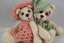 crochet teddy bears / by Susan DeVries