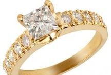 Yellow Gold! / A showcase of diamonds and yellow gold.