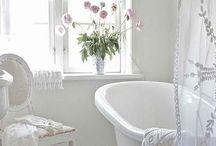 Bathrooms / by Casey Didier