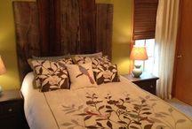 Barnwood bedroom makeover / Barnwood chalk paint and birds bedroom makeover
