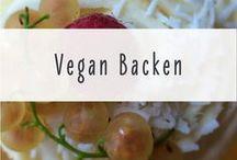 Vegane Backrezepte / Vegan backen ist supereinfach, wenn Du die richtigen Rezepte hast :) Ich sammle hier für Dich vegane Rezepte für Kuchen, Torten, Kekse und alles, was süß und lecker ist.