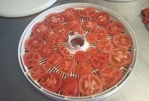Dehydrating Foods & Herbs / by Jeanne Caras