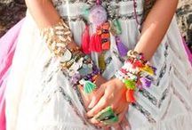 Sadie's Style / Colourful high heels, kaftans, hot lips and bright nails. Stacked jewellery (of course) and a touch of Chanel.