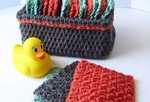 Crochet For The Kitchen & Bath Love / Crochet accessories for the kitchen and/or bath.