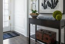 Entrance Table / Entrance Table to give the special touch to your entryway