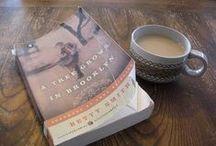 """Read / """"Books are a uniquely portable magic.""""  ~Stephen King"""