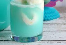 Drinks / by lauren valentine