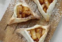 Apple Recipes / Sweet treats and savory dishes to make with fresh apples.