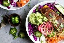 Colorful Food Bowl Recipes / All in one dinner and breakfast bowls with colorful ingredients.
