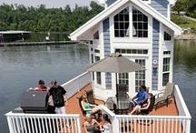 Architectural - Floating Homes & Houseboats / FYI - There are 500 floating homes in Bay area of California, another 500 in Seattle, 500 in Vancouver/Canada, 3,500 in Portland/OR, 99 on Latsch Island on the Mississippi River/MN and 40 in Yellowknife Bay, NWT/Canada.  More can be found in the Netherlands, Serbia, Aruba...  Who knew! / by NanceInWA