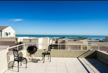 Self Catering Accommodation - Bloubergstrand, Cape Town, South Africa / Looking for self catering accommodation with amazing views of the sea in Bloubergstrand, Cape Town, South Africa?  Go no further as we have fantastic apartments with stunning views of Table Mountain that are a stone's throw from the beach, a walk to the shops and a short drive to Cape Town City Centre. You can also book Elizabeth's Guest House as a self catering accommodation option.