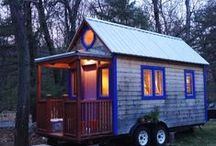 Tiny House / by Suzi Blu