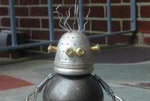Found Object Robot Sculptures Nutzen Bolts Works Sally Colby / Found Object Robot Sculptures Nutzen Bolts Works Sally Colby