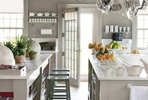 Kitchen Inspiration / The kitchen is always where all the good stuff happens, so why not make it pretty...and I am kind of kitchen obsessed! Happy Pinning!
