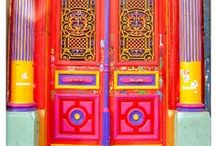 Doors...I love doors!  And windows too!! / by Bonnie Burroughs