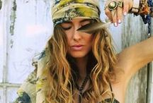 Bohemian Fashion / A collection of bohemian fashion and style trends.
