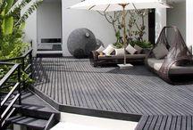 Outdoor living: decks, veranda, patios. / Outdoor living: decks, däck, veranda, patio, rooftop, altan, utomhus, uteplats, smultronställe, mysigt utomhus, lovely place to sit in the garden.