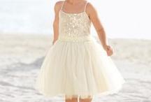 Wedding Dresses / by Sadie Bertsch