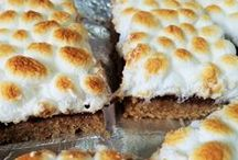 National S'more Day / National S'mores Day is celebrated on August 10th each year.