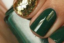 Trendfarbe Khaki / Trendfarbe Khaki Grün & gold Make-up Trends Nail-Art