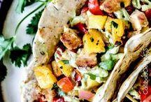 Good Eats & Recipes / by Jordan Payne