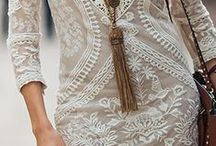 How to wear jewelry in a stylish way / by Coral Stiglianese