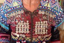Ethnic Jackets. / Chaquetas Etnicas con adornos e monedas, pedreria, abalorios. O tricotadas en piel con medallones y adorno, siempre hay donde elegir. / by La Boutique de Sinforey
