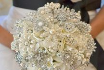 Fashion: Wedding Sparkle / A collection of sparkling wedding ideas -mostly for a Winter Wedding.